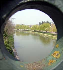 Reservebekkens lopen leef op kanalen en rivieren in Frankrijk